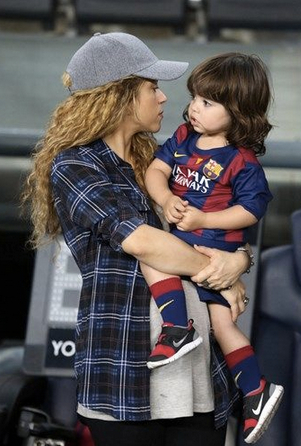 Shakira i Milan Pique Mebarak Cortes Peluqueria Infantil La Geganteta